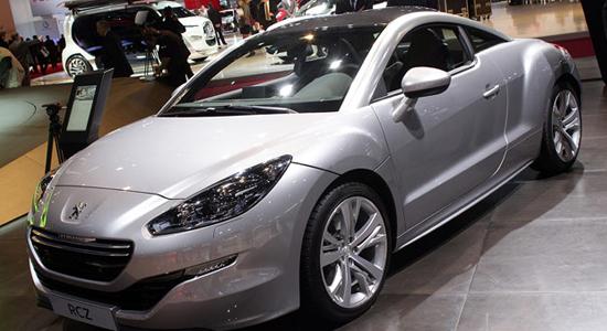 Une modetse révision pour la Peugeot RCZ 2013