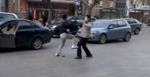 kungfu-fight-road