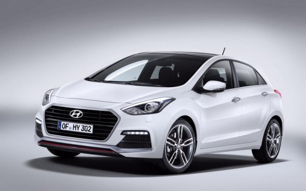 Hyundai i30 2015: Un lifting inspiré de sa grande sœur Genesis