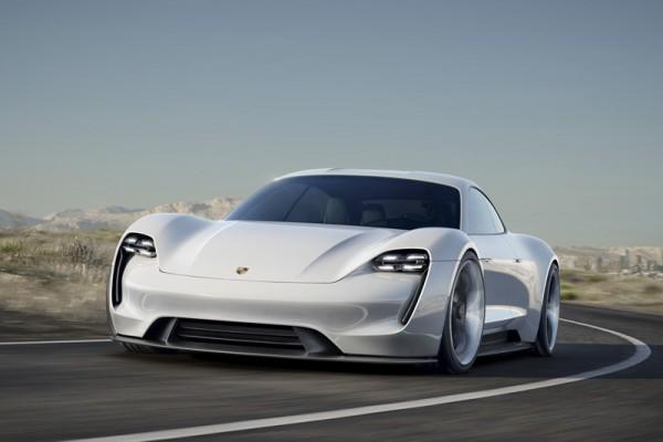 Porsche Mission E : 600 ch, 500 km d'autonomie, recharge en 15 min
