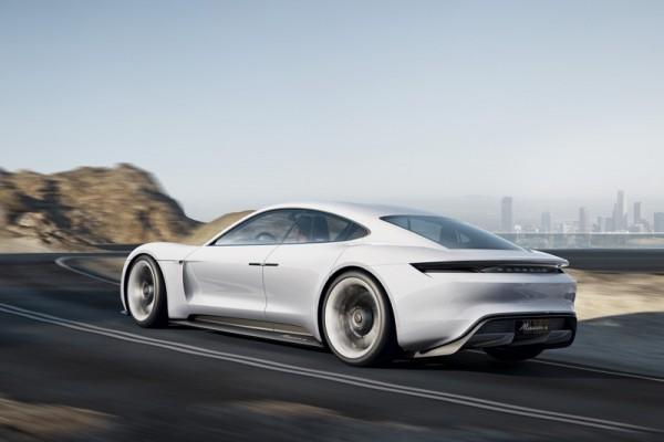 Porsche Mission E : une voiture de sport fascinante à l'ADN Porsche